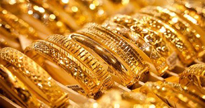الذهب ينخفض لأدنى مستوياته في أكثر من شهرين