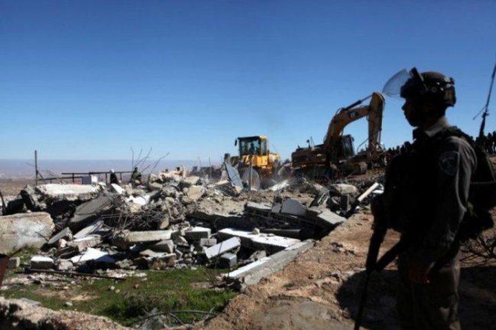 """قوات الاحتلال تخطر بوقف بناء """"بركس"""" غرب سلفيت"""