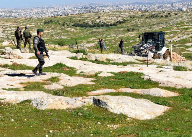 """الأغوار الشمالية: الاحتلال يخطر بالاستيلاء على أراض بخربة """"غزال"""""""