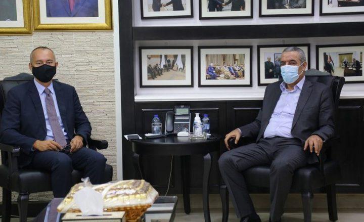 حراك دبلوماسي لعودة التنسيق والمفاوضات يقابل برفض فلسطيني حازم
