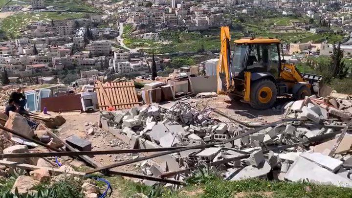بيت لحم: الاحتلال يهدم خيما سكنية وبركسات في قرية كيسان