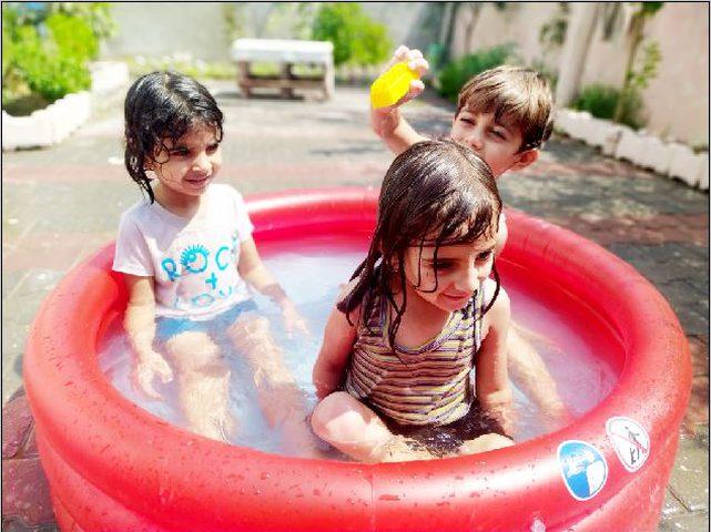 طقس فلسطين: أجواء غائمة وموجة حارة غداً الأحد