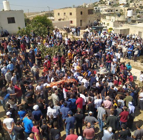 تشييع جثماني مواطنين اثنين توفيا داخل حفرة امتصاص بالخليل