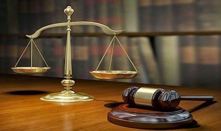 إدانة متهم بجريمتي فساد وحبسه سنة