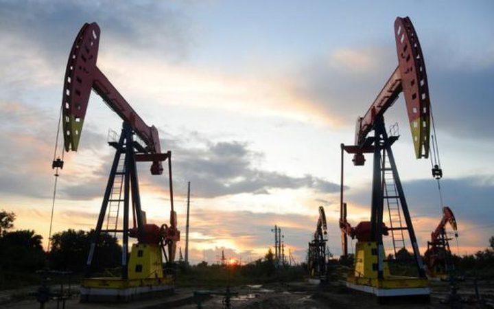 النفط يهبط تحت وطأة زيادة إصابات كورونا