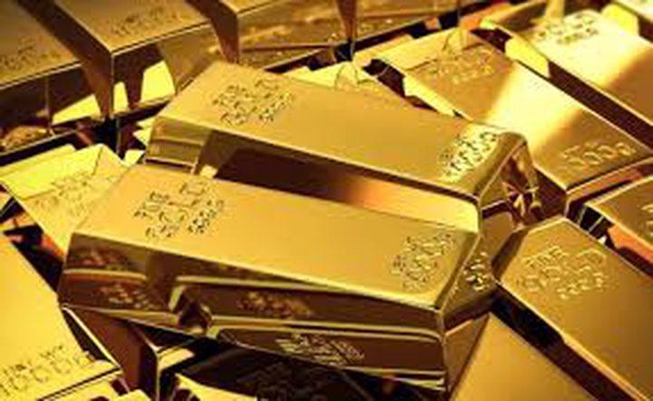 الذهب ينخفض مع اتجاه المستثمرين للدولار
