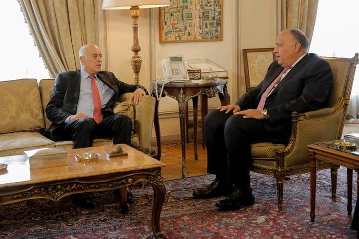 الرجوب يطلع وزير الخارجية المصري على آخر المستجدات