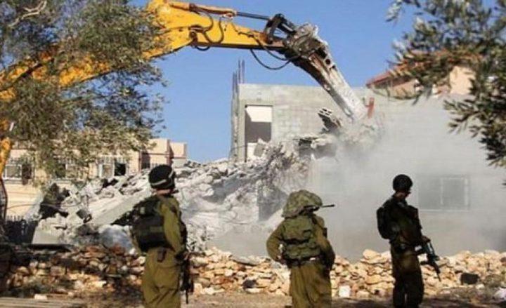 جرافات الاحتلال تهدم غرفة زراعية في قرية حوسان غرب بيت لحم