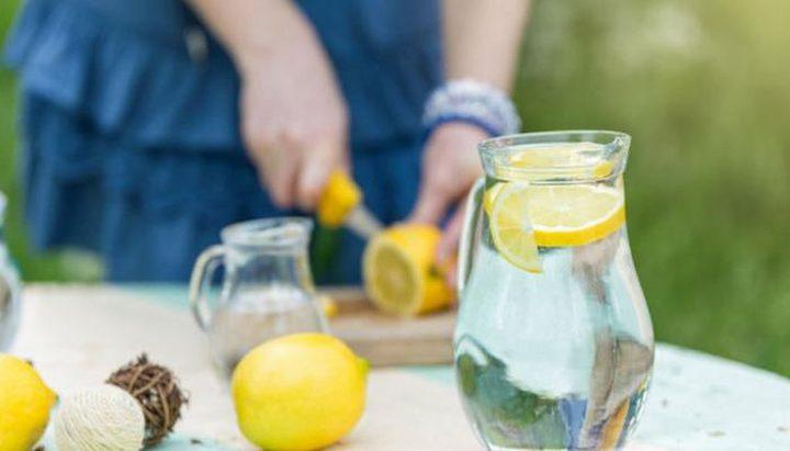 تحذير.. الإفراط بشرب ماء الليمون يسبب مشاكل صحية مزعجة