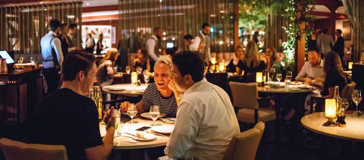 """دراسة: """"ضوضاء المطاعم"""" تؤثر على درجة استمتاعك بطعامك"""