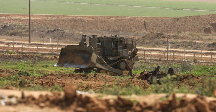 جرافات وآليات الاحتلال تتوغل شرق خان يونس