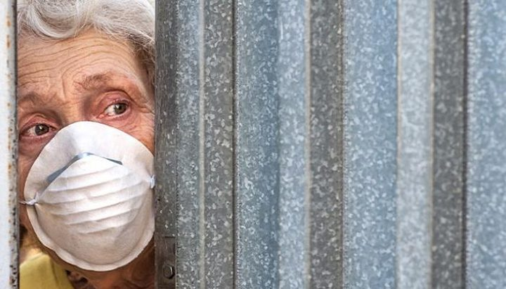 دراسة: الهذيان والارتباك أبرز أعراض إصابة كبار السن بفيروس كورونا
