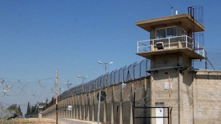 سلطات الاحتلال تفرج عن أسيرين من جنين أمضيا 5 أعوام في الأسر