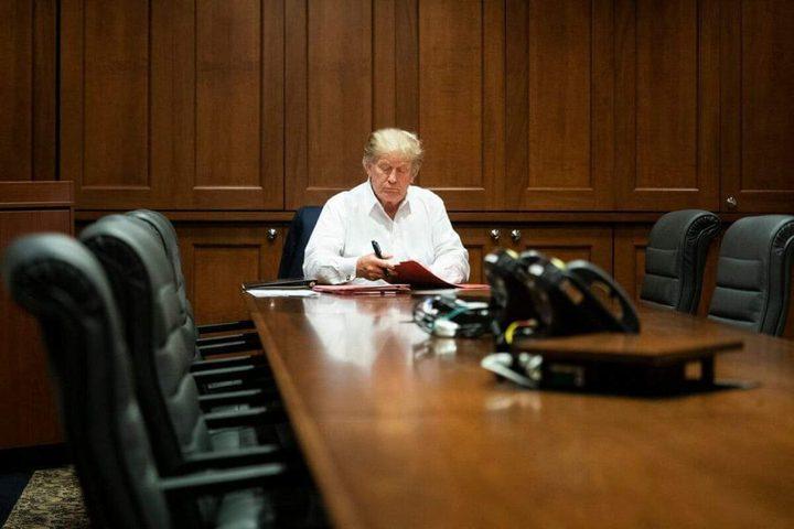 البيت الأبيض ينشر صورة لترامب من مكان حجره داخل المشفى