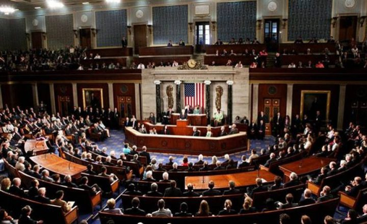"""مشروع قانون يلزم بالتشاور مع """"إسرائيل"""" قبل تصدير الأسلحة للعرب"""