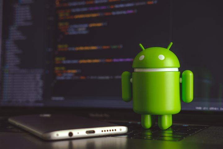 خبراء يكتشفون تطبيق خطير يسمح بالتجسس على هواتف أندرويد