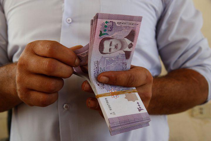 خبير يكشف أسباب زيادة اقتراض الحكومة السورية من المصارف