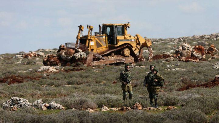 قوات الاحتلال تجرف أراضي غرب سلفيت