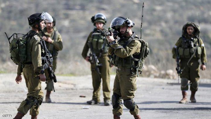 القدس: إصابة فتى برصاص الاحتلال في بلدة حزما