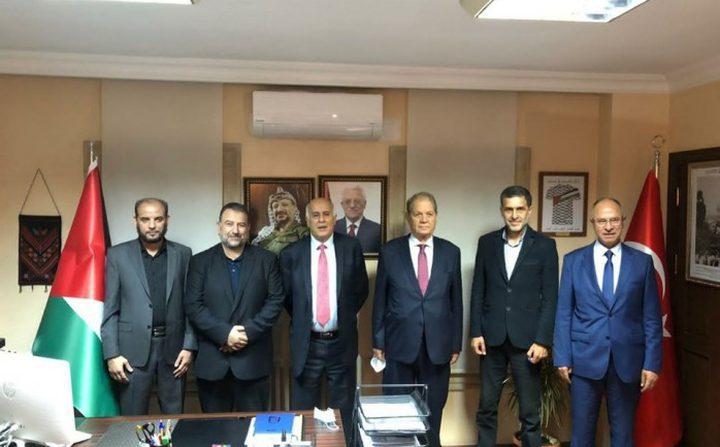 د. حمايل: وفد فتح يصل سوريا اليوم لاستكمال الحوار مع الفصائل