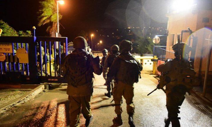 اصابات بالاختناق خلال اقتحام الاحتلال مخيم عقبة جبر جنوب أريحا