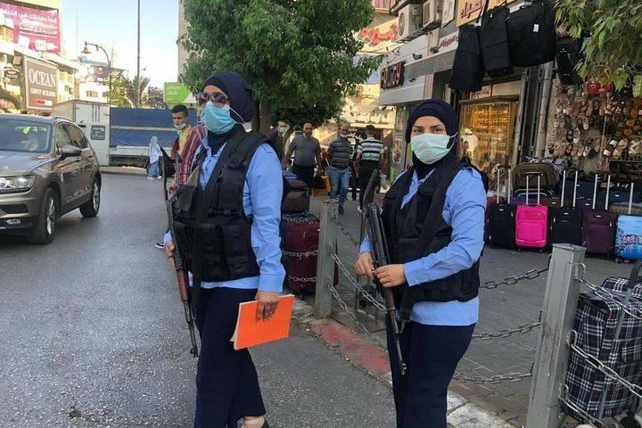 الشرطة النسائية الفلسطينية أثناء العمل الميداني