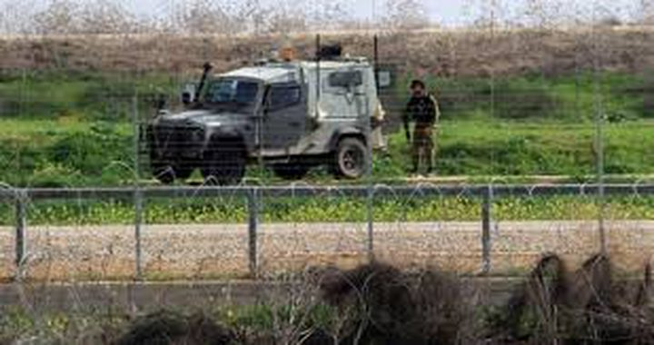 الاحتلال يعتقل 3 مواطنين ويطلق النار صوب الأراضي الزراعية شرق غزة