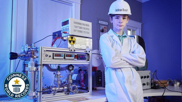 أمريكا.. مراهق يصمم مفاعل نووي نشط  في منزله !