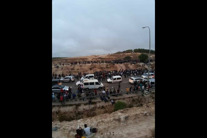 قوات الاحتلال تمنع دخول العمال عبر حاجز ميتار في الظاهرية