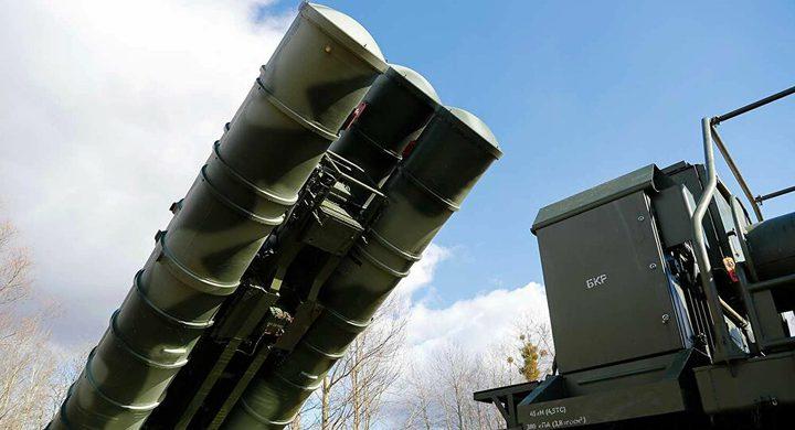 """كوريا الشمالية تعرض نظام دفاع جوي يشبه نظام """"إس-400"""""""