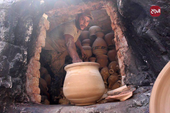 صناعة أواني الفخار حرفة تتوارثها عائلة الفاخوري بالخليل