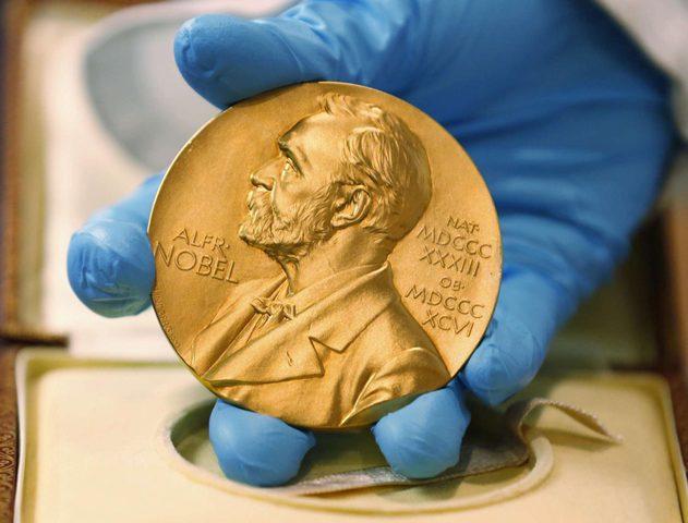 جائزة نوبل للاقتصاد من نصيب الأمريكيين بول ميلغروم وروبرت ويلسون