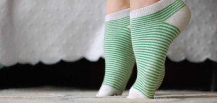 ما هي الأمراض الناتجة عن برودة القدمين ؟