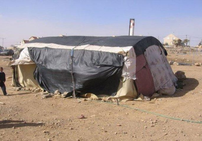 اخطار بإزالة خيمة سكنية في الأغوار الشمالية