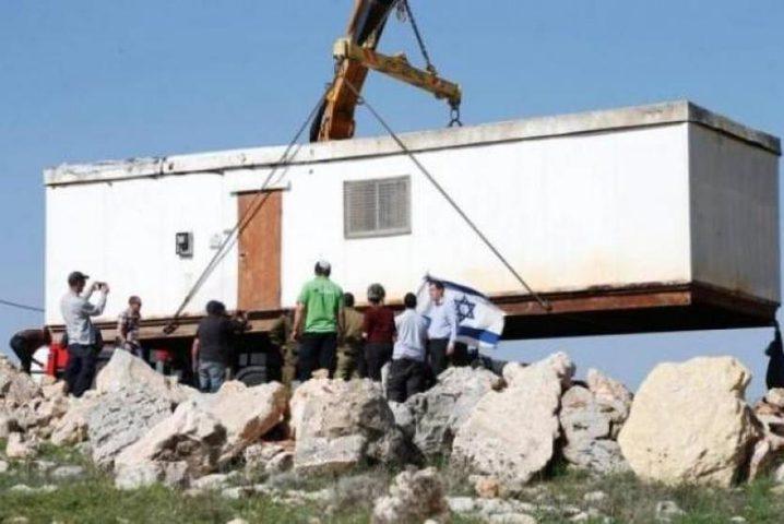 قوات الاحتلال تزيل بؤرة استيطانية شرق نابلس
