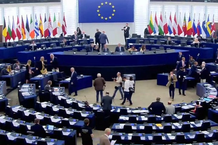 إلغاء دورة البرلمان الأوروبي بسبب كورونا