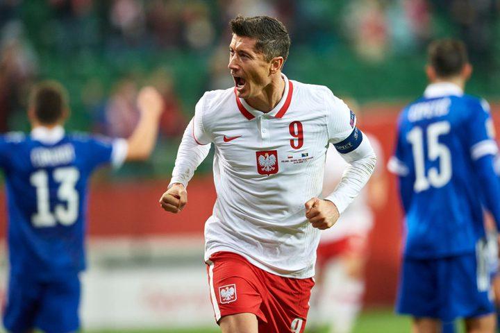 بولندا تعتلي صدارة المجموعة الأولى في دوري الأمم الأوروبية