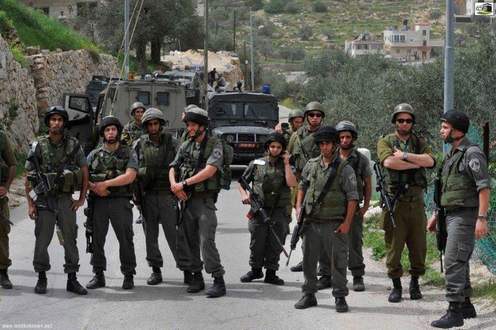 قوات الاحتلال تغلق برقة شمال شرق رام الله