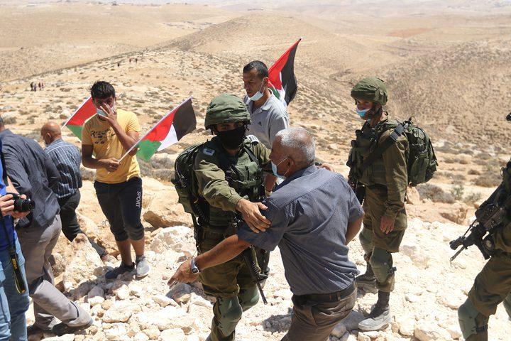 الاحتلال يعتدي على المشاركين في فعالية ضد الاستيطان بمسافر يطا