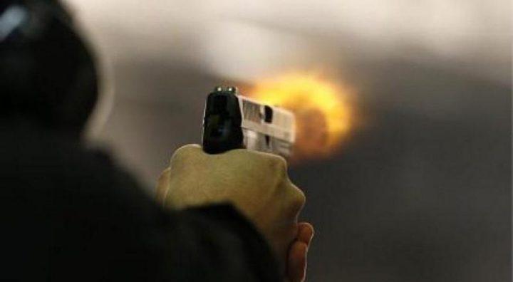 الشرطة والنيابة العامة تحققان بمقتل مواطن في الخليل
