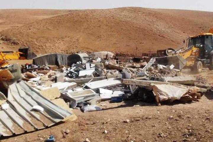 قوات الاحتلال تهدم خيمة سكنية في مسافر يطا