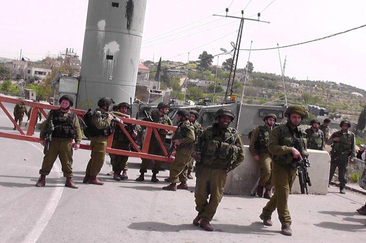 الاحتلال ينصب حاجزا عسكريا على مفترق يعبد