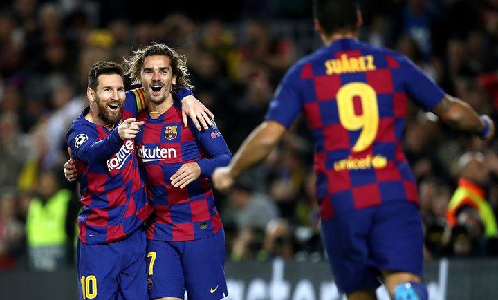 برشلونة يجدد عقود نجومه الأربعة دفعة واحدة