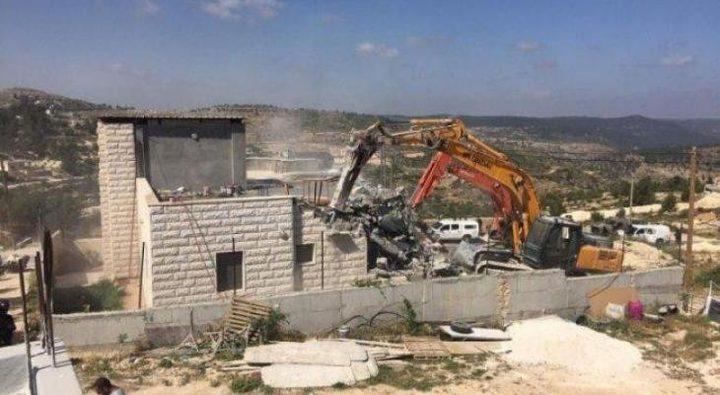 الاحتلال يهدم مسكنا في الجفتلك بالأغوار