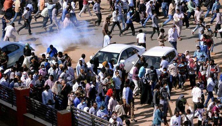 مقتل متظاهر على الأقل وإصابة آخرين في اشتباكات مع الشرطة