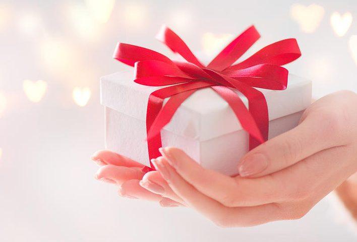 كيف تعيد إهداء هدية وصلتك بطريقة ذكية؟