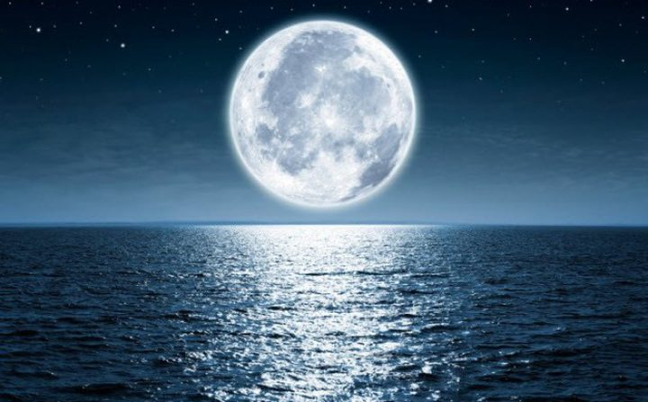 ناسا: للمرة الأولى وجود ماء على السطح المضيء للقمر