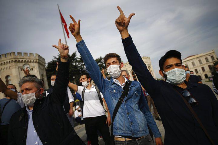 تواصل الإدانات والتظاهرات ودعوات مقاطعة المنتجات الفرنسية