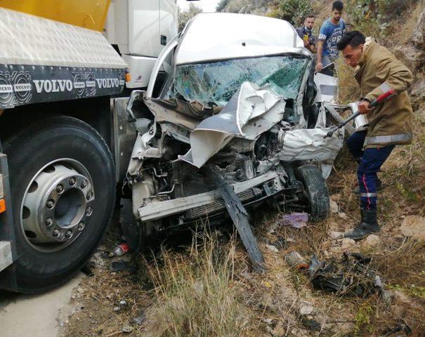 مصرع مواطنين بحادث سير في الخليل