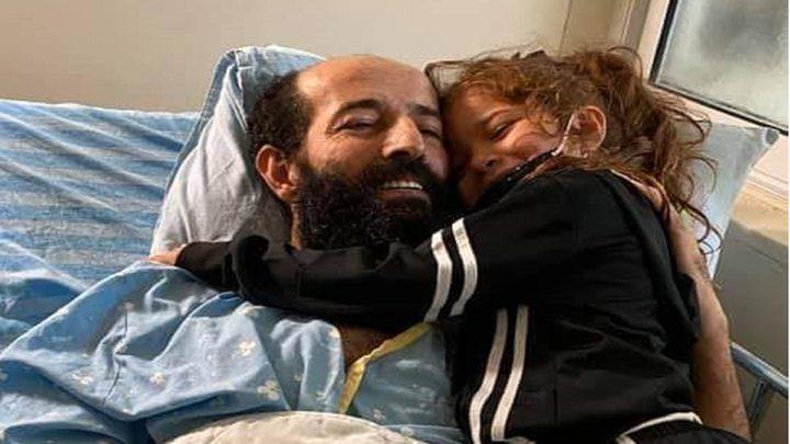 95 يومًا على إضراب الأسير الأخرس عن الطعام